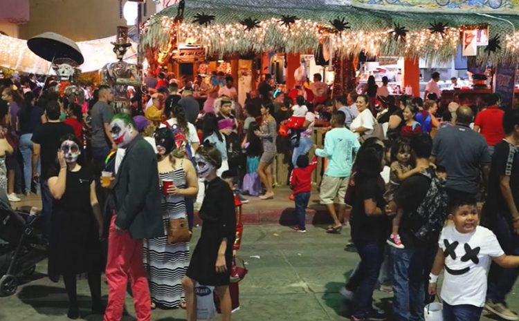 Downtown Cabo Mostly Closed for Halloween