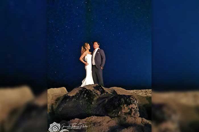 Huge Sea Turtle Crashes Wedding